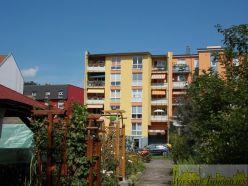 Attraktive DG-Eigentumswohnung mit Lift, PKW-Stellplatz, Keller und Hausgarten