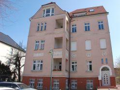 Stadtvilla in bevorzugter Wohnlage - großzügige 3-Zimmer-Wohnung - 2. OG - Balkon - Pkw-Stellplatz