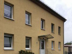 Schöne 2-Zimmer Dachgeschosswohnung mit Einbauküche