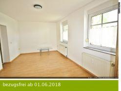 Ruhiges Wohnen im Ergeschoss - 1 Zimmer mit Einbauküche, Stellplatz, Gartennutzung