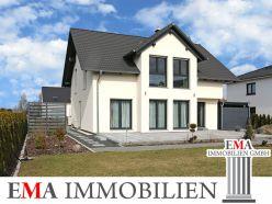 Architekten-Einfamilienhaus mit sonnigem Garten